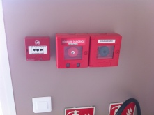 Courant fort et faible bureau 200m² incendie, arrêt d'urgence, alarme, BAES