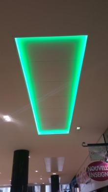 éclairage indirecte bandeau LED verte